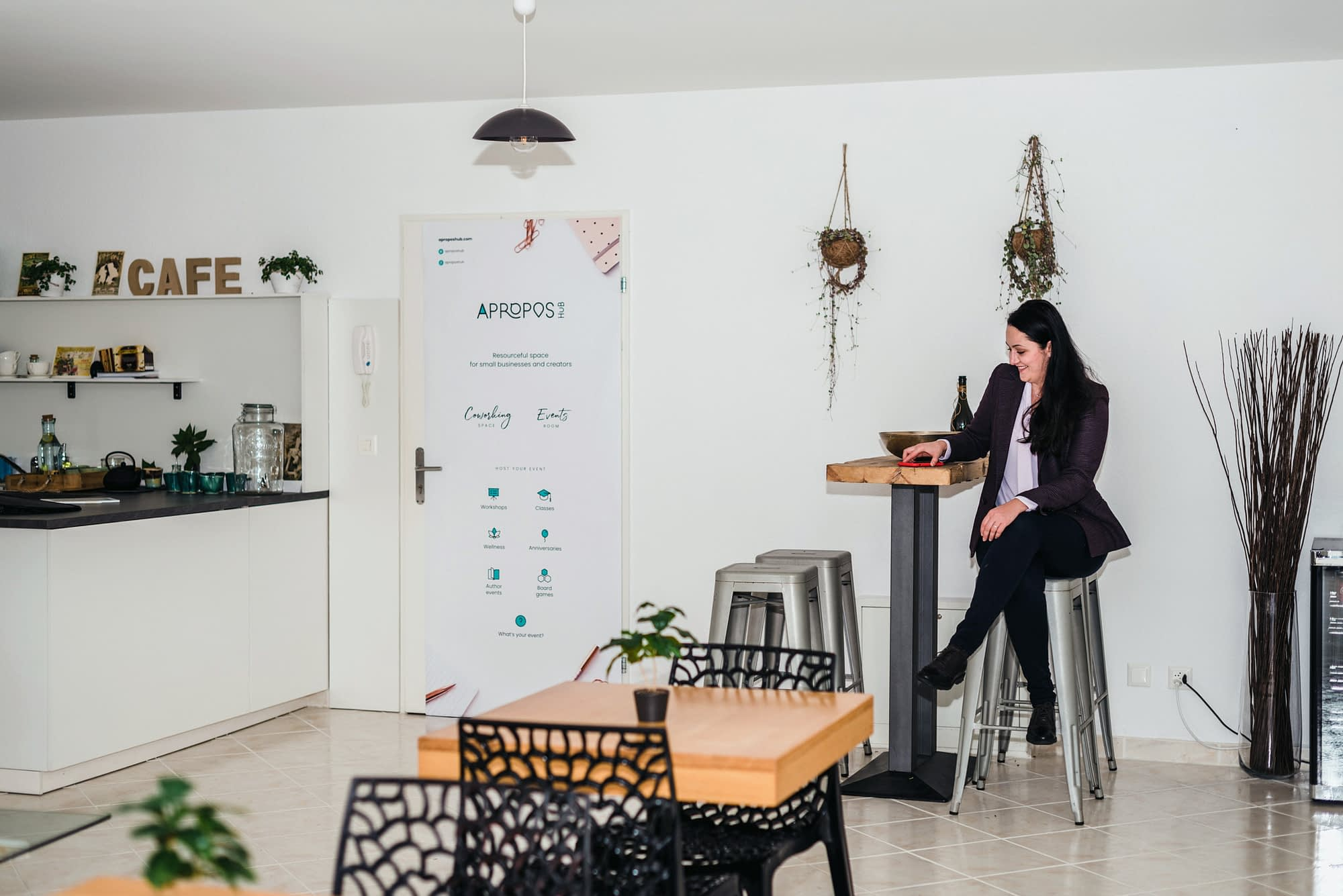 Coworking Nomad desks in The HEART Room